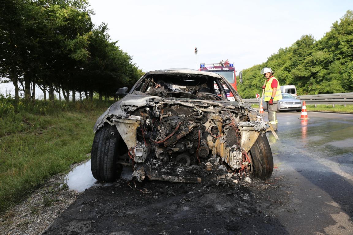 19.07.2019 Brand PKW A96 Bad Wörishofen Mindelheim BMW Totalschaden (11)