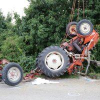 05.08.2019 Unfall Kirchheim Derndorf tödlich 22 Jahre LKW übersieht Traktor (11)