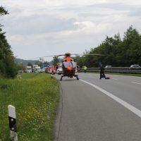 2019-08-15_A96_Aichstetten_Leutkirch_Unfall_Autobahnstrassenmeisterei_Feuerwehr_Poeppel_0001