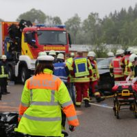 2019-08-15_B19_Kempten_Waltenhofen_Hegge_Unfall_frontal_Feuerwehr_Poeppel_0008