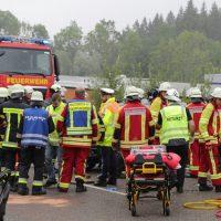 2019-08-15_B19_Kempten_Waltenhofen_Hegge_Unfall_frontal_Feuerwehr_Poeppel_0009