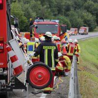 2019-08-15_B19_Kempten_Waltenhofen_Hegge_Unfall_frontal_Feuerwehr_Poeppel_0013