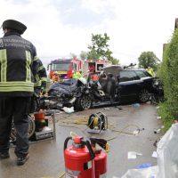 2019-08-15_B19_Kempten_Waltenhofen_Hegge_Unfall_frontal_Feuerwehr_Poeppel_0021