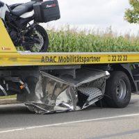 2019-09-27_Memmingen_Europastrasse_Unfall_Abschleppwagen_BMW_Motorrad_FeuerwehrIMG_6190