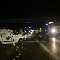 2019-11-08_A96_Erkheim_Stetten_Unfall_SUV-FeuerwehrIMG_1448