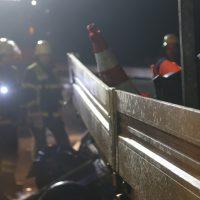 2019-11-14_A96_Memmingen_Aitrach_Unfall_Sicherungsanhaenger_Pkw_FeuerwehrIMG_2000