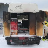 2019-11-23_A7_Groenenbach_Dietmannsried_Transporter_brand_FeuerwehrIMG_2082