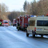 2019-12-10_B30_Ravensburg_Enzisreute_Baindt_Lkw-Unfall-Gefahrgut_Feuerwehr_PoeppelIMG_2469