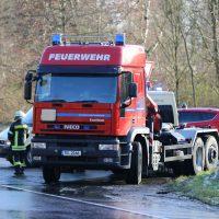 2019-12-10_B30_Ravensburg_Enzisreute_Baindt_Lkw-Unfall-Gefahrgut_Feuerwehr_PoeppelIMG_2470