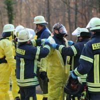 2019-12-10_B30_Ravensburg_Enzisreute_Baindt_Lkw-Unfall-Gefahrgut_Feuerwehr_PoeppelIMG_2498