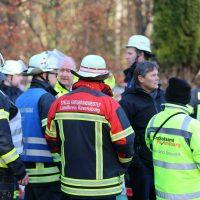 2019-12-10_B30_Ravensburg_Enzisreute_Baindt_Lkw-Unfall-Gefahrgut_Feuerwehr_PoeppelIMG_2518