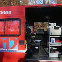 2019-12-10_B30_Ravensburg_Enzisreute_Baindt_Lkw-Unfall-Gefahrgut_Feuerwehr_PoeppelIMG_2534