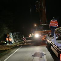 2020-01-14_B312_Edenbachen_Unfall_Scherlastkran_Bergung_Polizei_Poeppel_IMG_5011