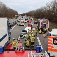 2020-02-20_A96_Aitrach_Memmingen_Unfall_FeuerwehrBX4A1280