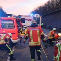 2020-02-25_A96_Leutkirch_Aichstetten_Lkw_Pkw_Feuerwehr_BX4A3089