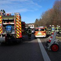 2020-02-26_A96_Stetten_Erkheim_Unfall_Feuerwehr_Bringezu (29)