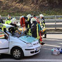 2020-02-26_A96_Stetten_Erkheim_Unfall_Feuerwehr_Bringezu (6)