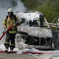 2020-02-26_Aitrach_Bruecke_A96_Wohnmobil_Brand_Feuerwehr_Poeppel_IMG_6581