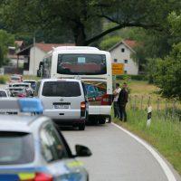 2020-07-06_Oberguenzburg_Ostallgaeu_Linienbus_Schwerverletzte_Frau_Rettunshubschrauber_Polizei_Poeppel_IMG_7142