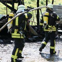 2020-07-25_Oberallgaeu_Weitnau_Untereinoeden_Brand-Stadel_Feuerwehr_Bringezu_IMG_7436