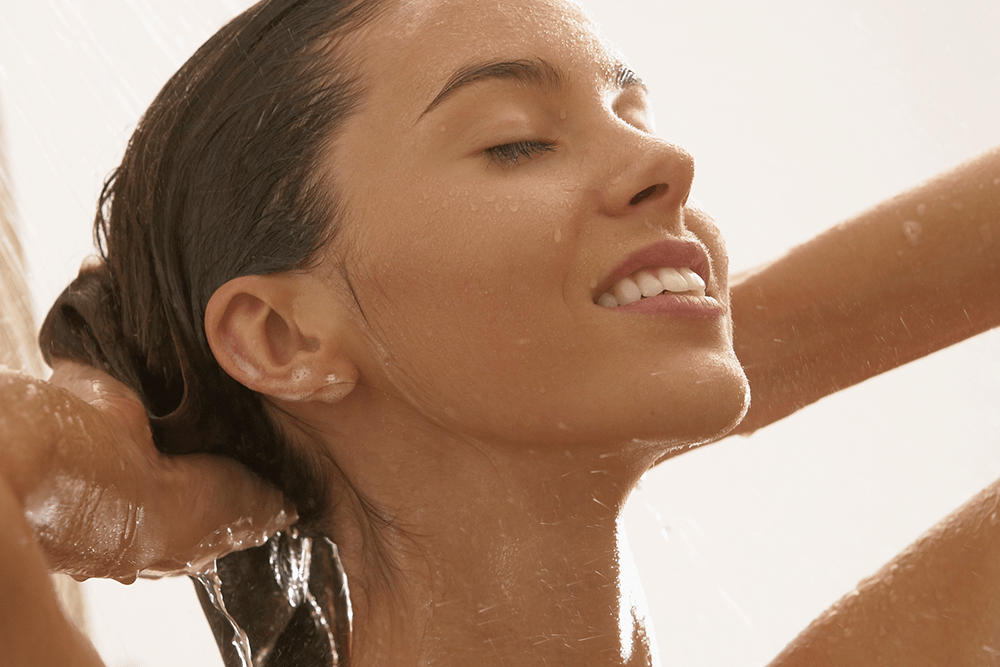A Celebrity Stylist Gives the Definitive Answer to How Often You Need to Wash Your Hair featured image