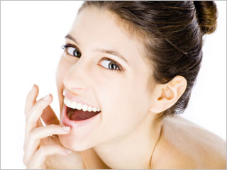 Smile Makeovers With A Plastic Surgeon's Touch featured image
