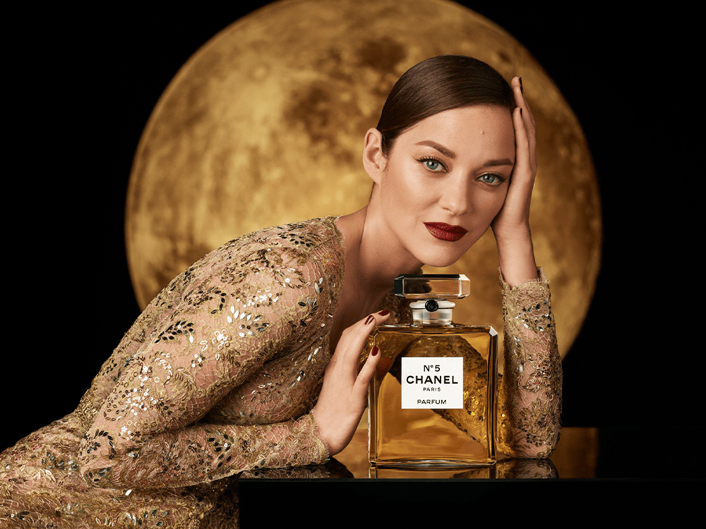 Marion Cotillard Is the Face of the New Advertising Campaign for the Iconic Chanel N°5 Fragrance featured image