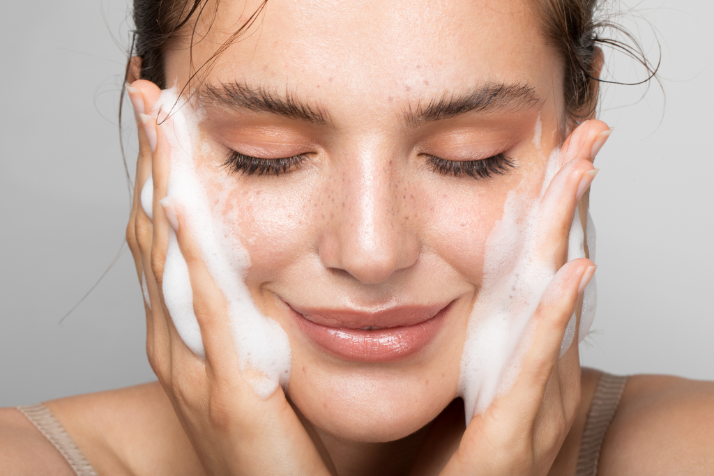 A Plastic Surgeon Shares What an Ideal—and Inexpensive—Morning Skin-Care Routine Should Look Like featured image