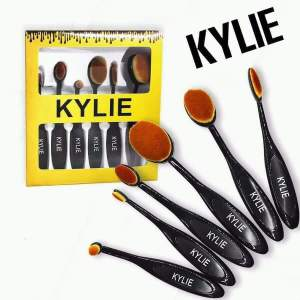 Kylie Brushes