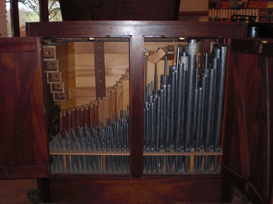 Chamber organ pipework