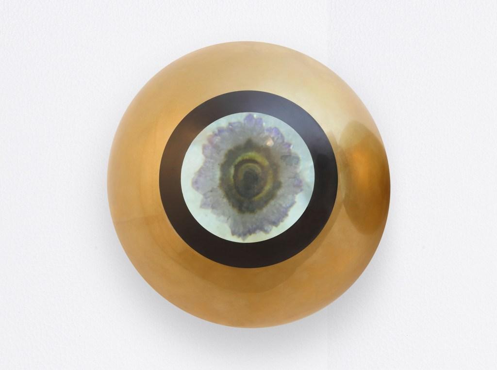 Denise Milan, Visão Quartza Olho Esquerdo, 2011, 20cm, bronze, lens and quartz, ConCentração/Photo: James Choi