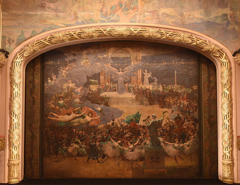 Eliseu Visconti, proscenium curtain, Theatro Municipal, Rio de Janeiro, oil on canvas 12x16 meters, 1908. Courtesy Projeto Eliseu Visconti