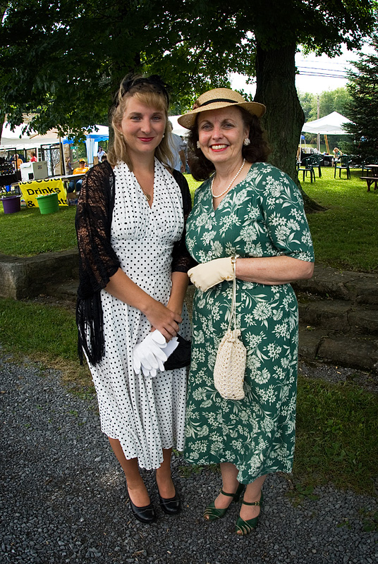 Elsie Clapp (Linda Donogan) (right) and friend (left)