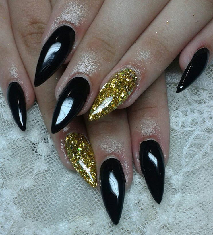 12 Black And Gold Nail Art Designs Images