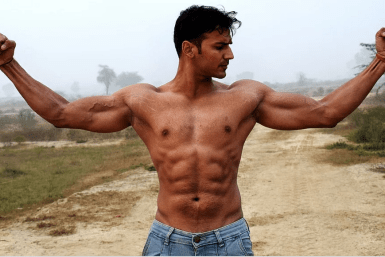 a man with muscles thanks to fat burning supplemens