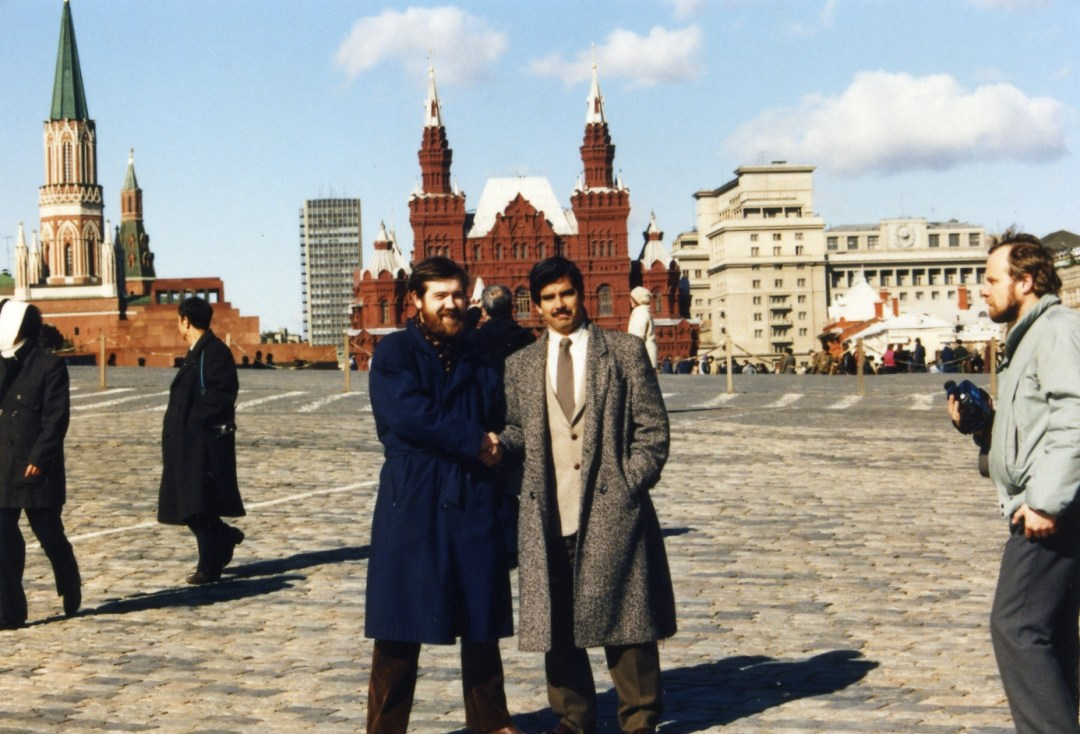 Alexey and Henk in front of the Kremlin.