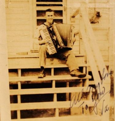 New-England-Accordion-Museum-Exhibit-Canaan-CT-AAA-accordion-convention-2014-display-memorabilia-1