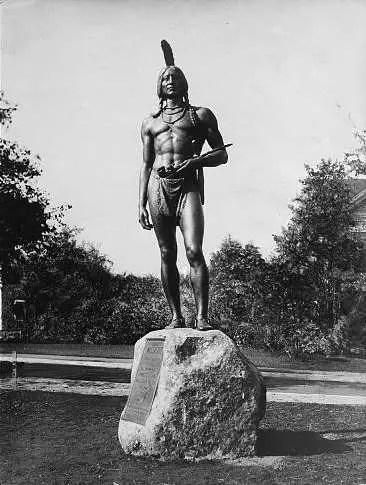 Statue of Massasoit