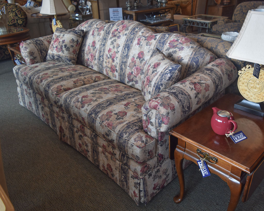 patterned sofas uk flexform sofa bed flexsteel floral new england home furniture consignment