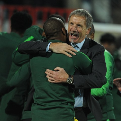 24 March 2019: Bafana Bafana coach Stuart Baxter celebrate with players during the 2019 Afcon qualifying match against Libya at Stade Taïeb Mhiri in Sfax, Tunisia. (Photograph by Salah Lahbibi/Gallo Images)