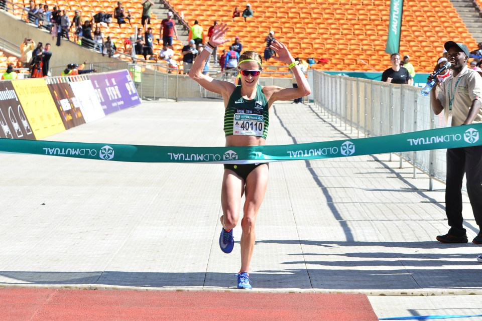 4 November 2018: Irvette van Zyl defended her Soweto Marathon women's title in fine style with a new course record of 2:33:43 on Sunday. (Photograph by Jetline Action Photo)