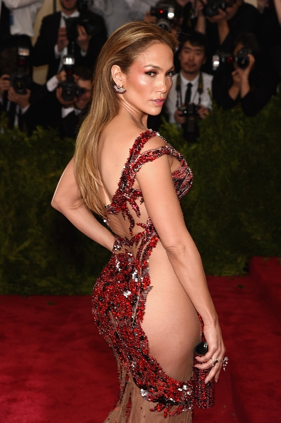 met-gala-red-carpet-2015-photos-celebs-almost-naked-dresses-prove-formal-events-don-t-require-attendees-to-wear-anything
