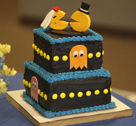 Pac-man-wedding-cake.jpg
