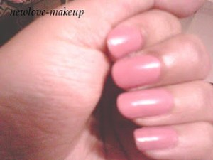 Maybelline Colorama Cremosa Nude NOTD and Review