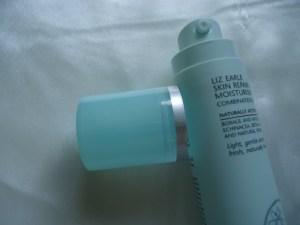 Liz Earle Skin Repair Light Moisturiser Review