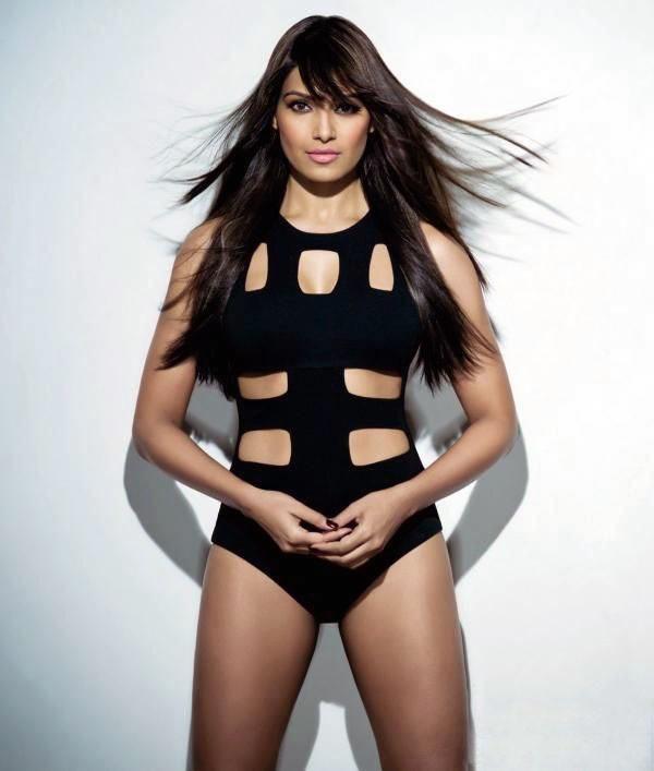 Top 10 Hottest Curvy Bollywood DivasTop 10 Hottest Curvy Bollywood Divas