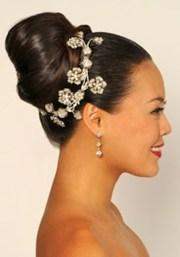 chic bridesmaid hairstyles
