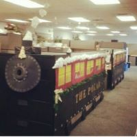 15 Christmas Cubicle Decorating Ideas To Bring In Some ...
