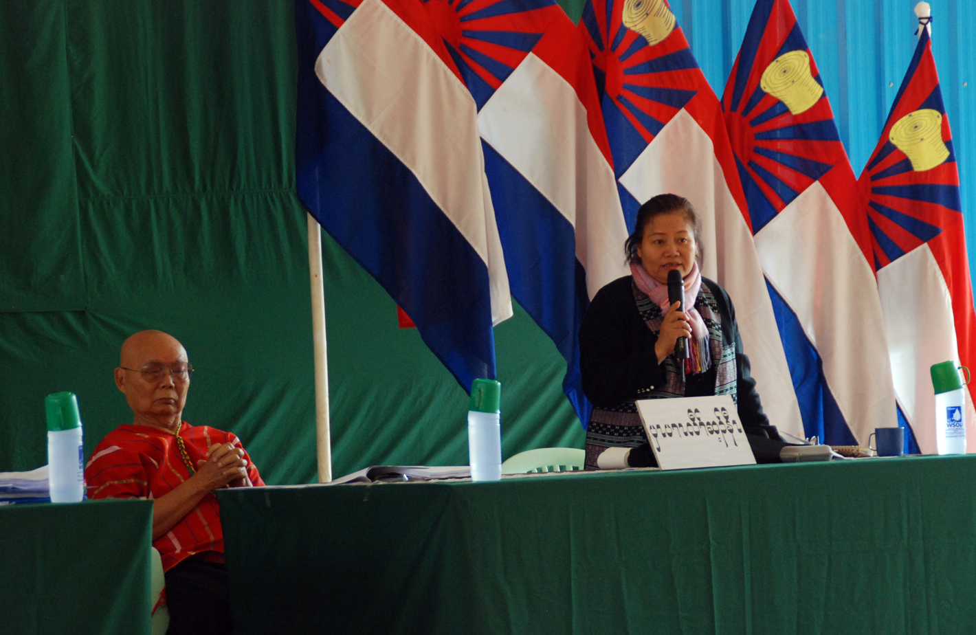 KNU leader, Chairman Gen Mutu Say Poe (left), and leader of the internal KNU opposition, previous Vice-Chairman Naw Zipporah Sein (right). Photo: David Brenner