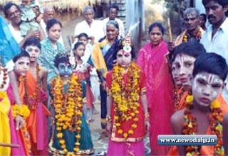 Krishna in Dhanu Yatra